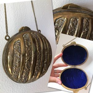 Vintage Embossed Deco Flapper Brass Clamshell Bag